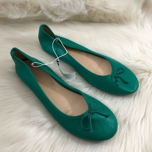 Old Navy Green Ballet Flats